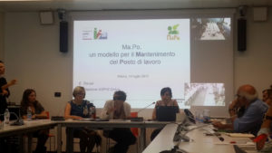 Sala conferenze e slide di presentazione del progetto Ma.Po